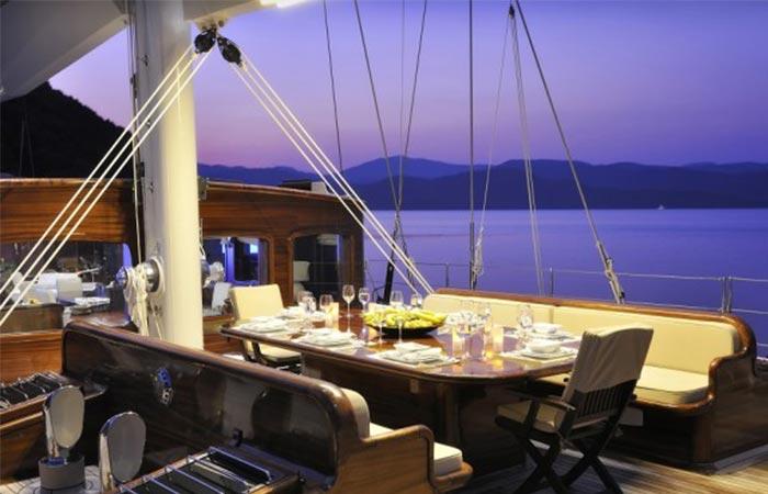 Regina Sailing Yacht outdoor dining area