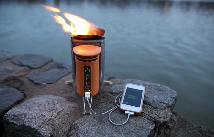 Biolite CampStove 2 charging a mobile phone