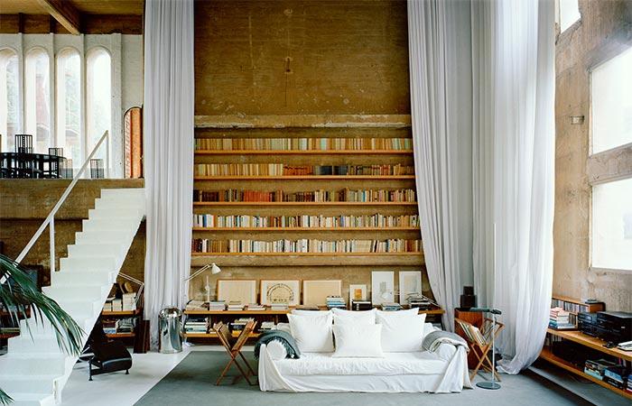 La Fabrica living room