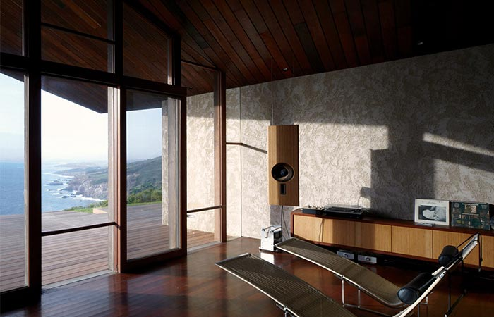 the interior of Clifftop House Maui