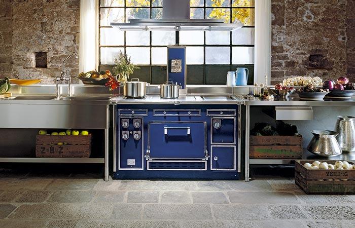 the blue molteni range cooker