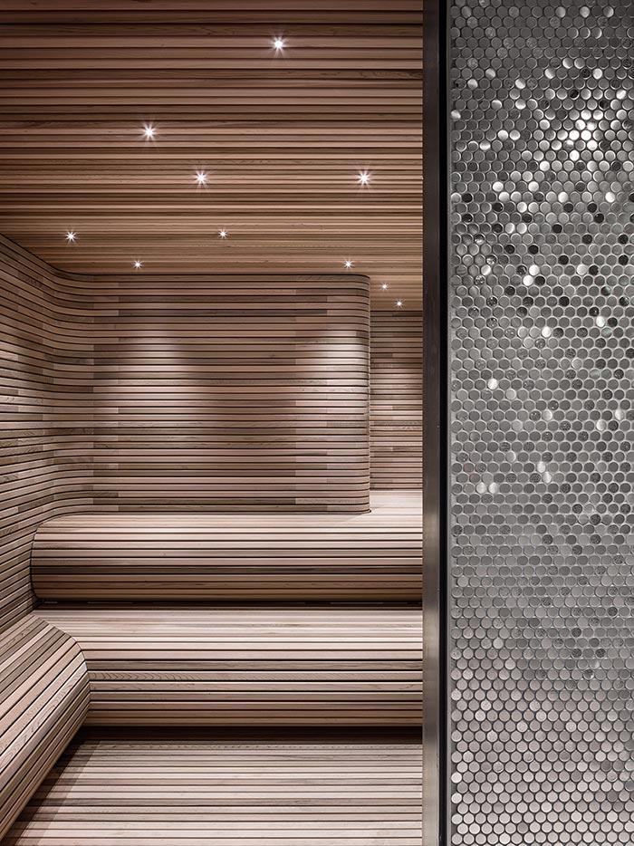 56 Leonard sauna