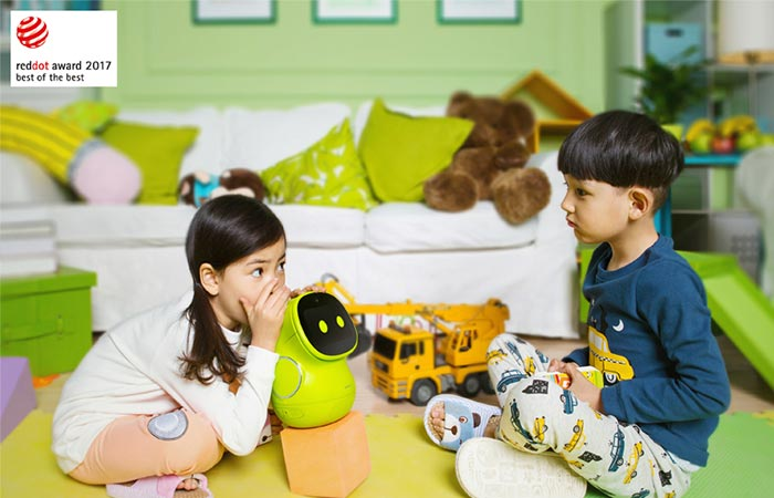 kids playing with a green ROOBO BeanQ Robot