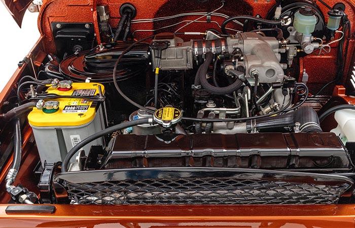 Toyota Land Cruiser FJ40 engine