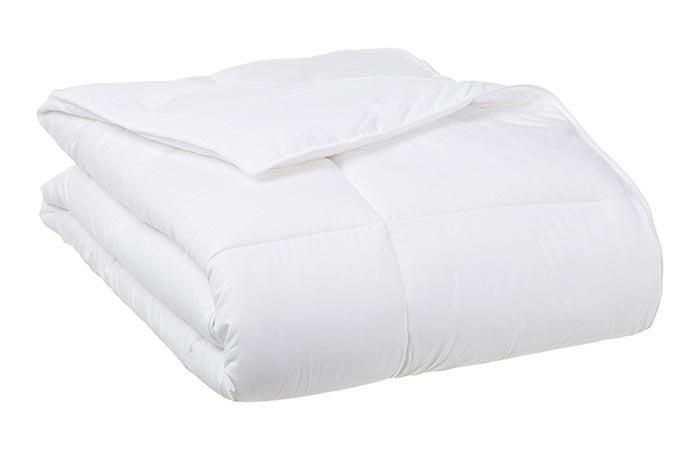AmazonBasics Down Alternative Comforter