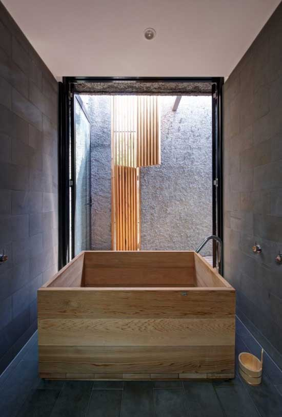 square wood bath tub bathroom