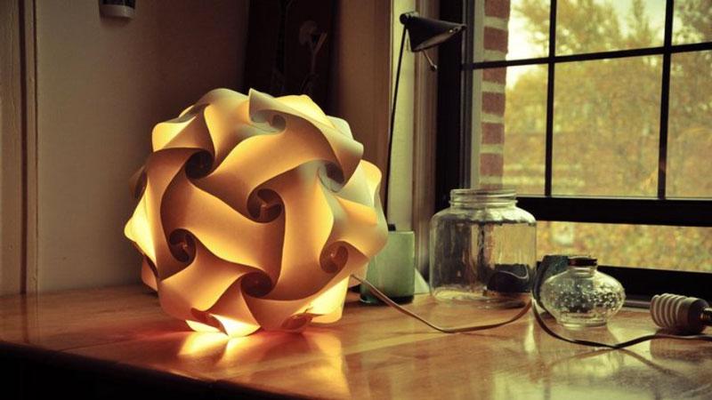 Loomi light on a table