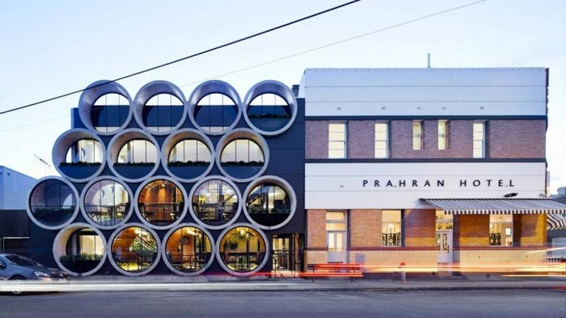 Exterior view of Prahan Hotel in Victoria