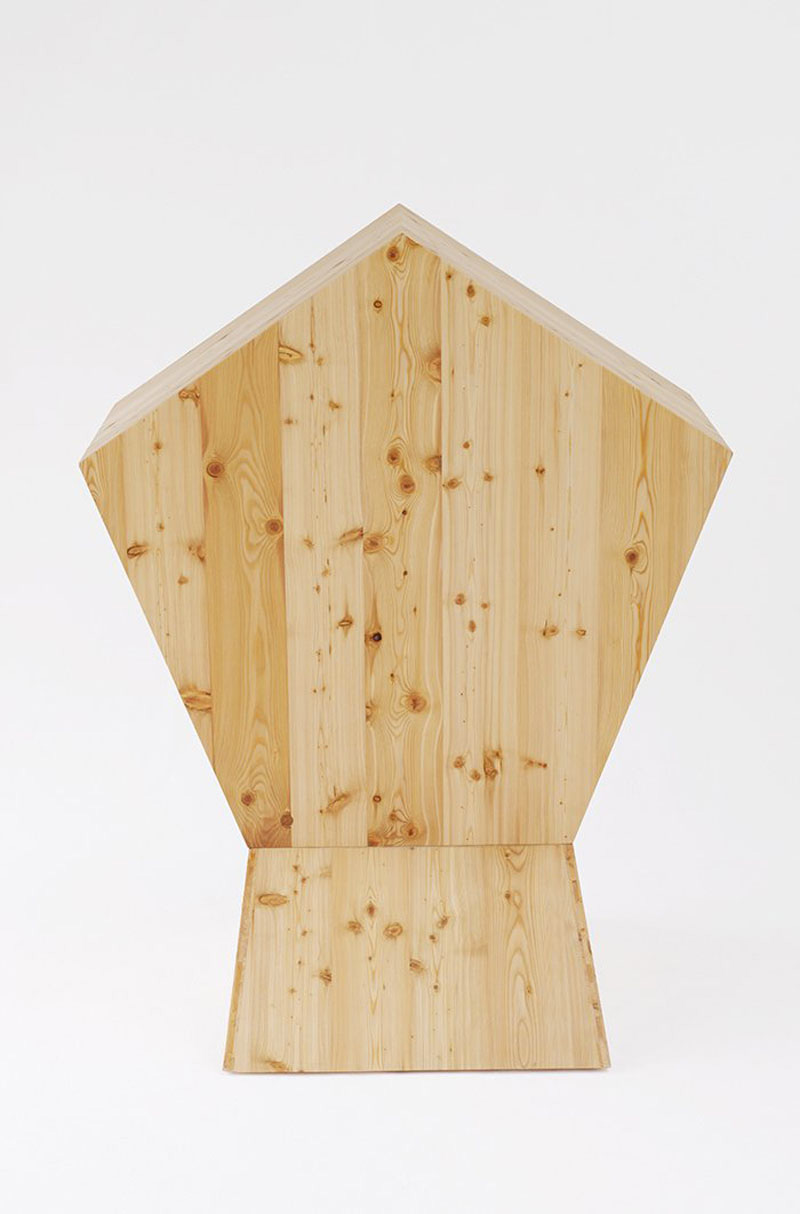 Rear view of the wooden made Quiet Chair by Studio TILT
