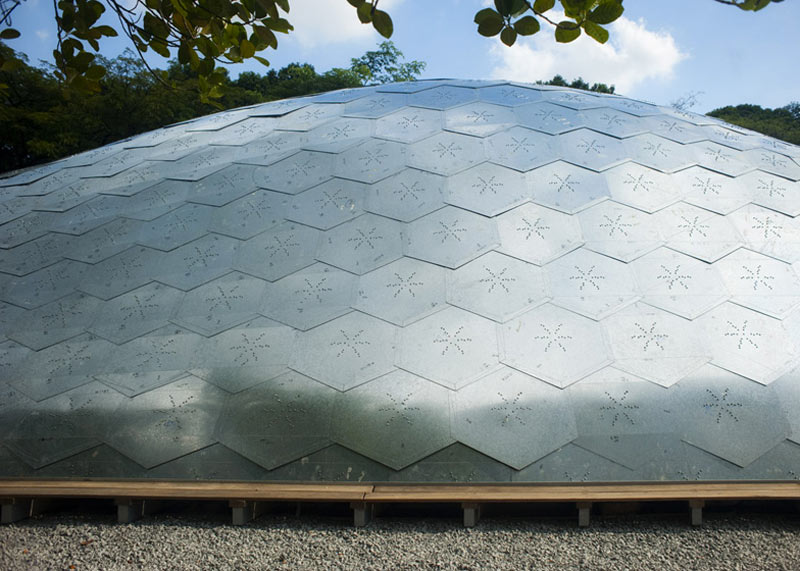 Exterior galvanized steel tiles of the SUTD Library Pavilion designed by City Form Lab