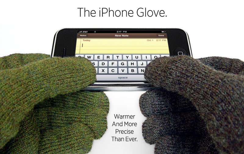 itap gloves being used to type on an iphone