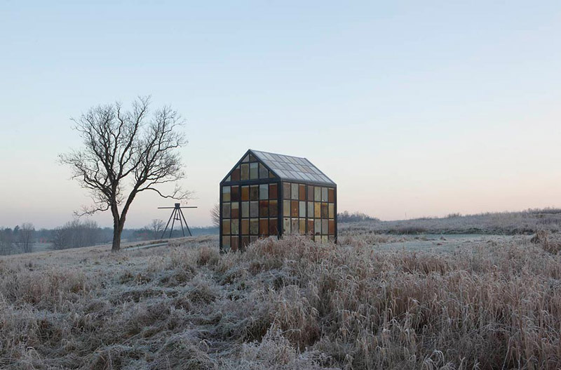 Hilltop Glass House Solarium by William Lamson during winter