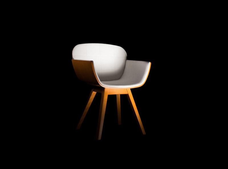 White Suri Chair by Pedro Gomes