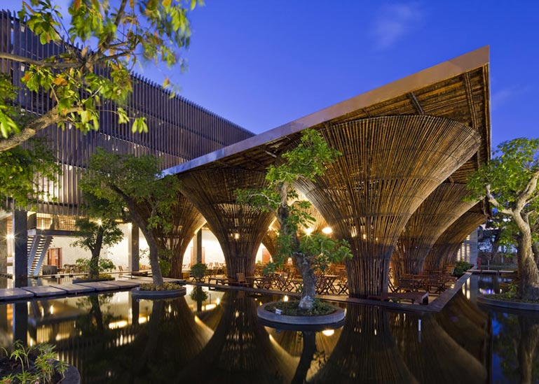 Exterior architecture of the Kontum Indochine Cafe by Vo Trong Nghia Architects
