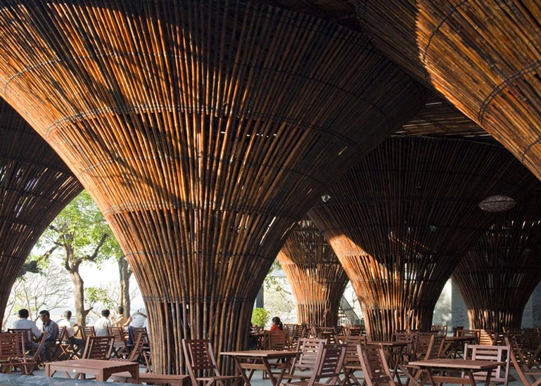 Bamboo columns at the Kontum Indochine Cafe by Vo Trong Nghia Architects