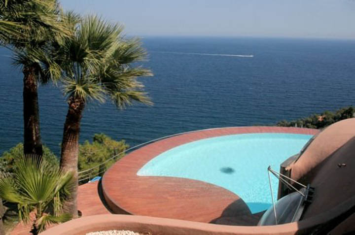Swimming pool with an ocean view at the palais bulles, palace of bubbles Pierre Cardin house by antti lovag in Cannes