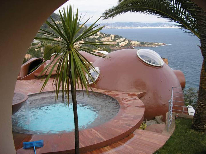 Outside jacuzzi and scenery of the ocean at the palais bulles, palace of bubbles Pierre Cardin house by antti lovag in Cannes