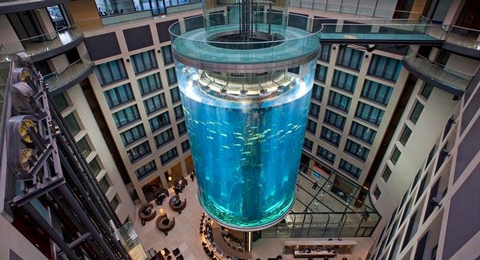 Aquadom Aquarium at the Raddison Blu in Berlin on Jebiga