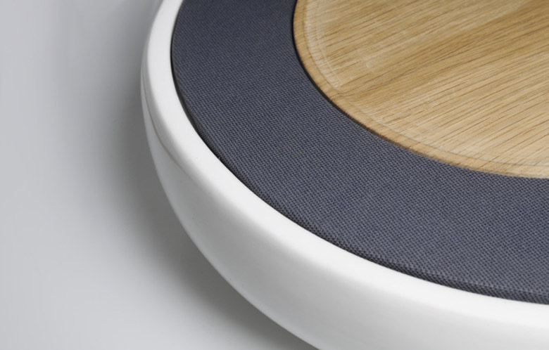 Side view of the Ceramic Speaker for Smartphones by Victor Johansson