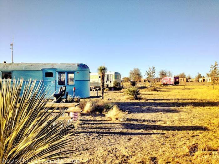 Vintage Trailer Resort >> EL COSMICO | MARFA TEXAS