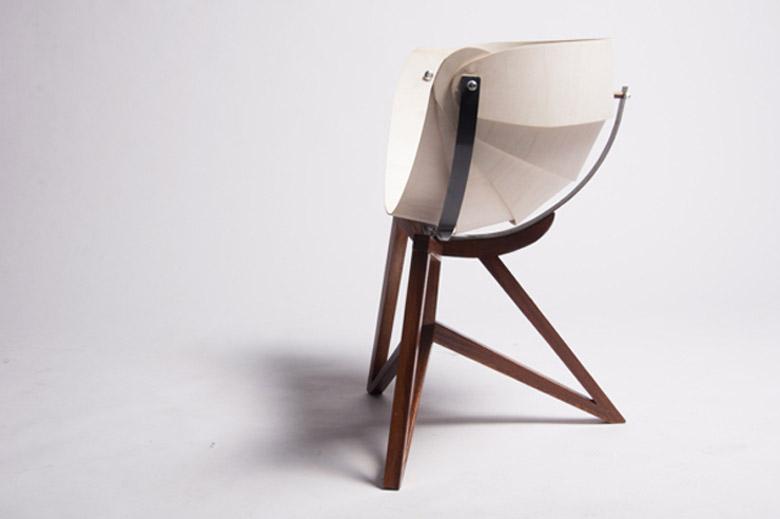 Side view of the Globe Chair by Michiel van Gadeldonk
