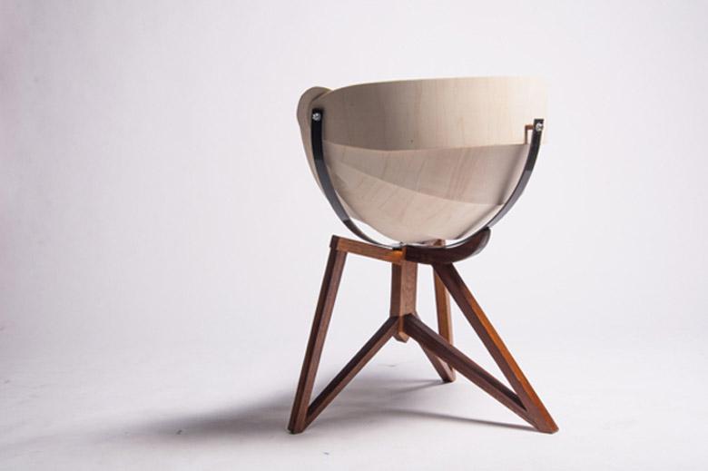 Rear view of the Globe Chair by Michiel van Gadeldonk