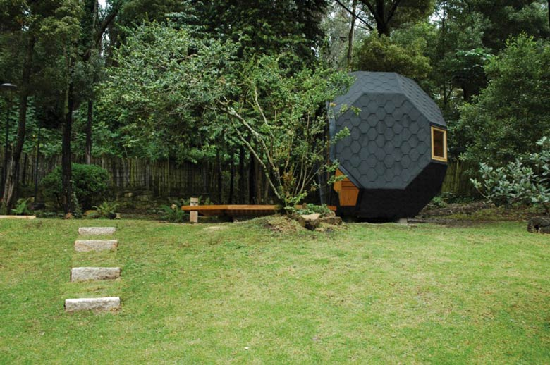 Side view of the architecture of the Habitable Polyhedron Garden Office by Manuel Villa