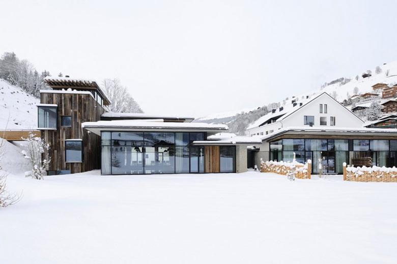 Hotel Wiesergut in Hinterglemm Austria by Gogl Architekten during winter