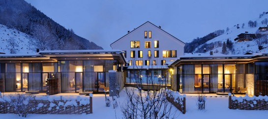 Hotel Wiesergut in Hinterglemm Austria by Gogl Architekten