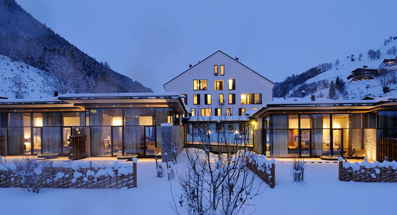 Hotel Wiesergut in Hinterglemm Austria by Gogl Architekten on Jebiga