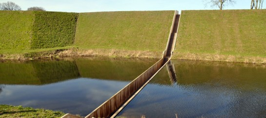 MOSES BRIDGE | SUNKEN BRIDGE IN THE NETHERLANDS (VIDEO)