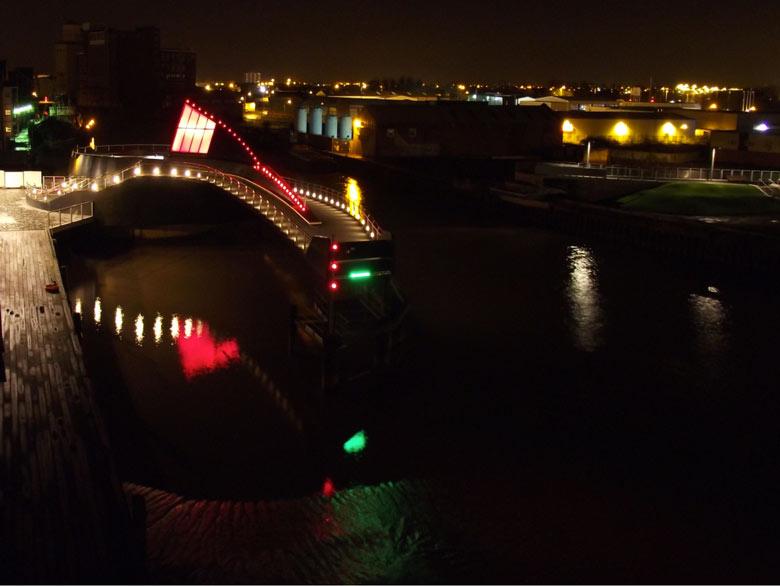 Scale Lane Bridge, Swinging Pedestrian Bridge at night