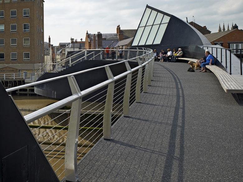 Scale Lane Bridge, Swinging Pedestrian Bridge