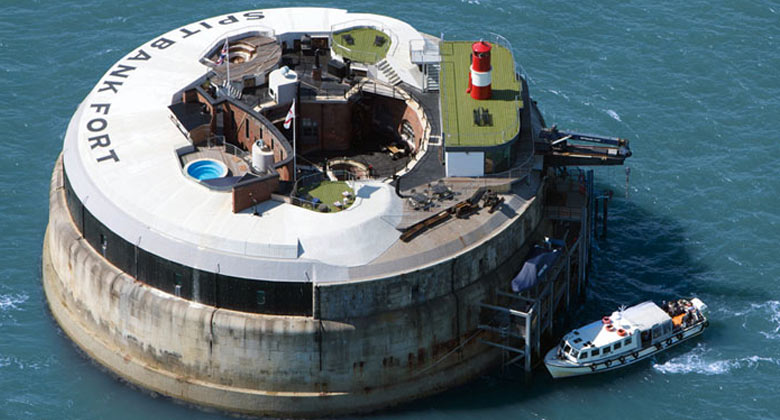 Spitbank Fort Hotel on the coast of Portsmouth England on Jebiga
