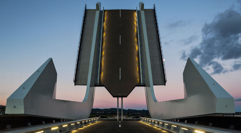 Te Matau Pohe aka 'Fishhook of Pohe' Bridge in Whangarei New Zealand Knight Architects Jebiga