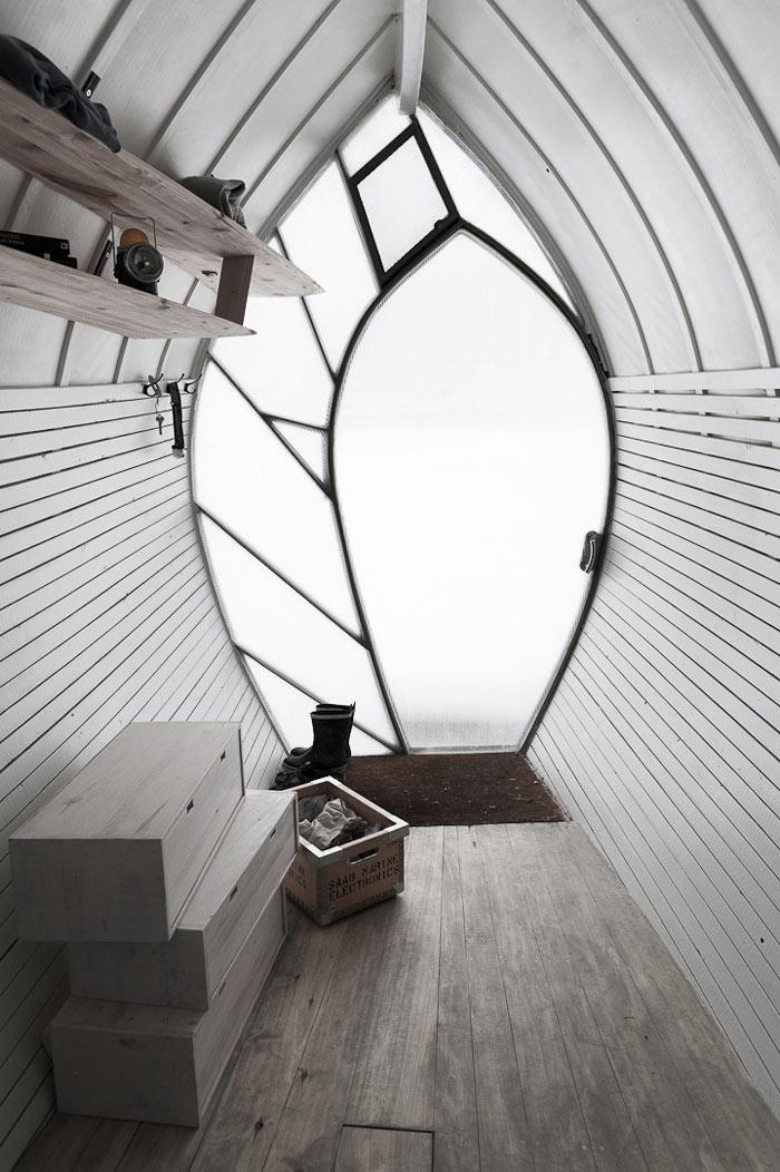 Interior design of the Curved Hus-1 by Torsten Ottesjo Architecture
