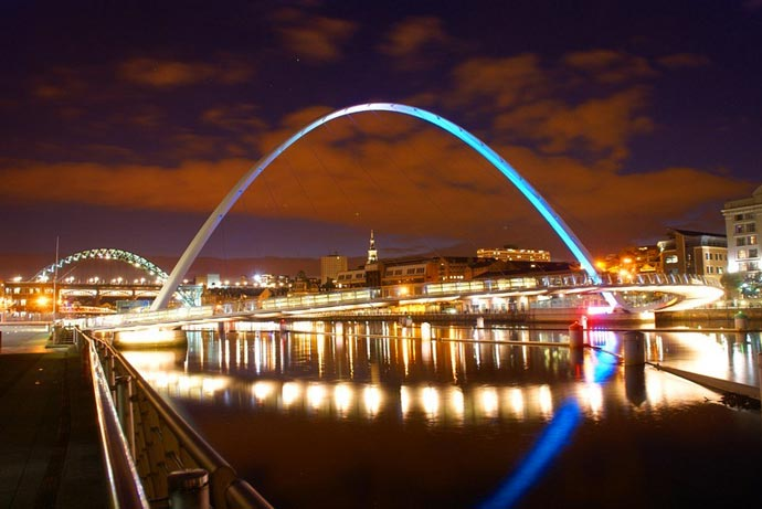 Gateshead Millennium Bridge Tilting Bridge at night
