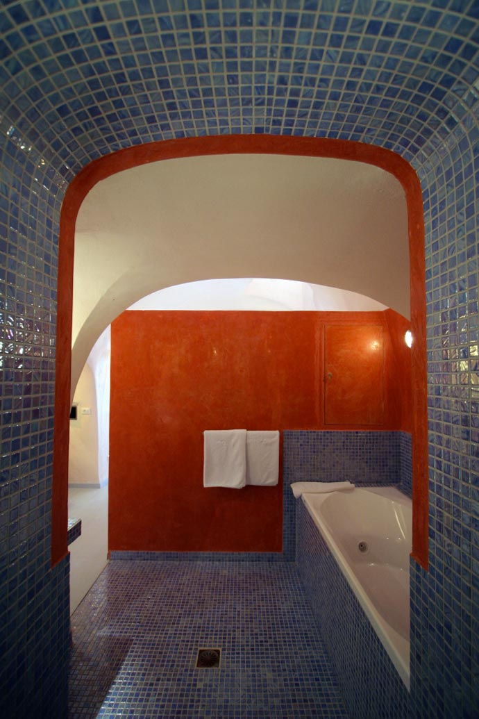 Bathroom design at Ikies Traditional Houses in Santorini