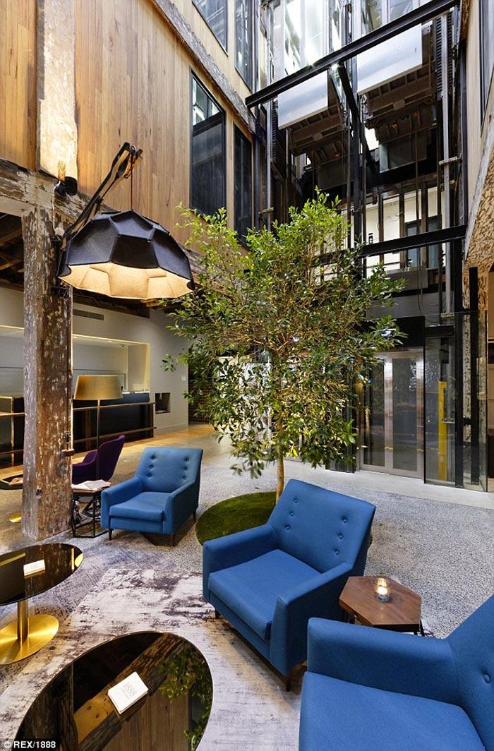 Instagram Hotel - 1888 Hotel in Sydney lounge area on the ground floor