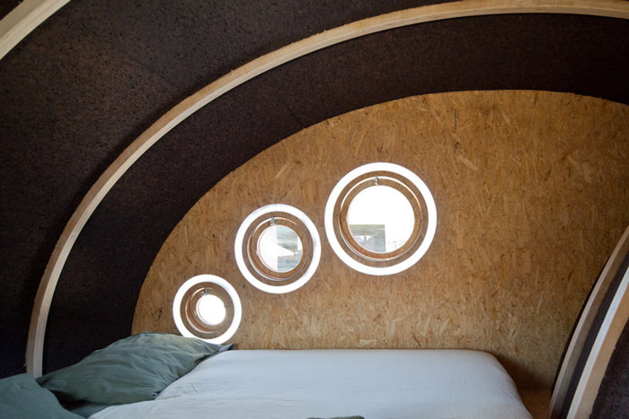 Interior design of sleeping room of Shelter ByGG Portable Accommodation by Gabriela Gomes