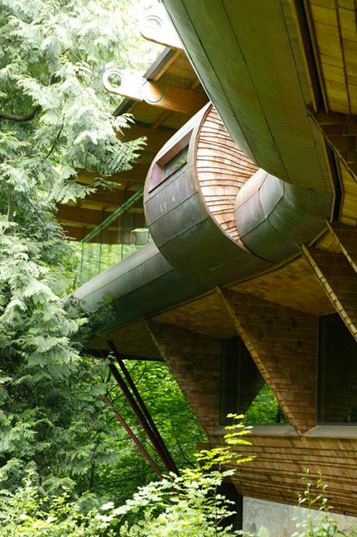 Exterior view of the Treehouse Mansion in Portland, Oregon by Robert Harvey Oshatz