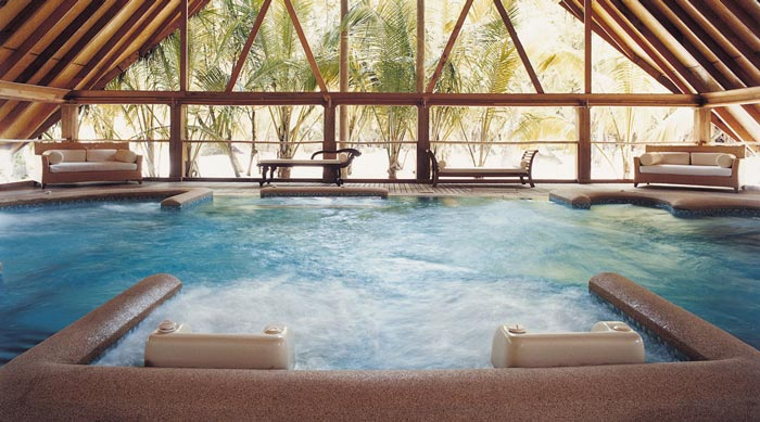 Jacuzzi at Cocoa Island Resort in The Maldives