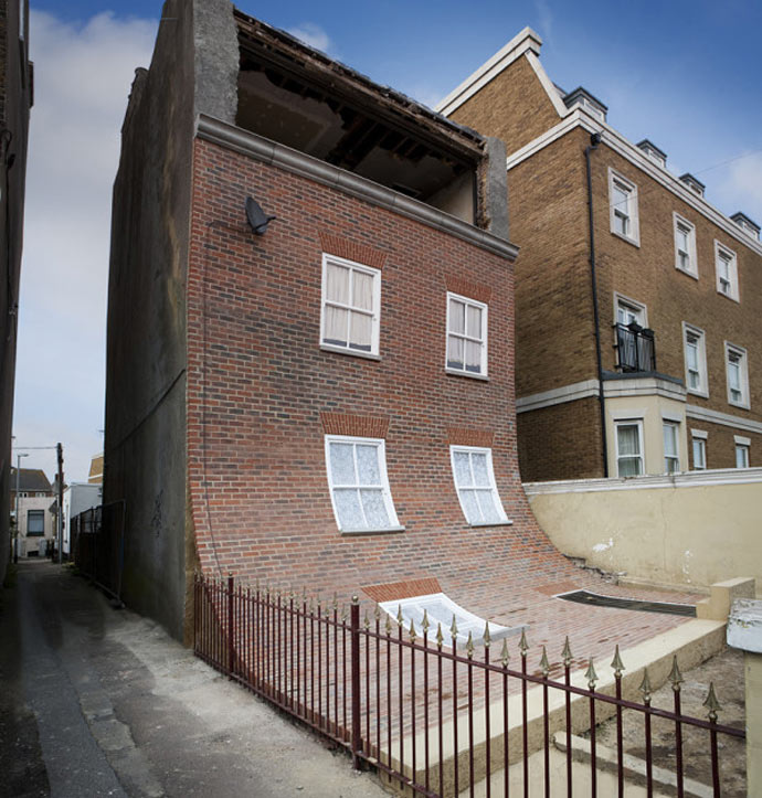 "Architecture of ""From the Knees of My Nose to the Belly of My Toes"" by Alex Chinneck"