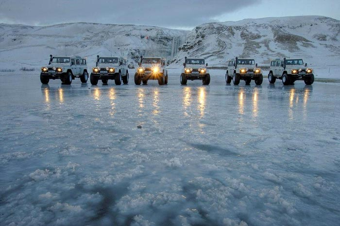 ISAK 4X4 SuperJeep Rentals in Iceland using Land Rover Defenders 5