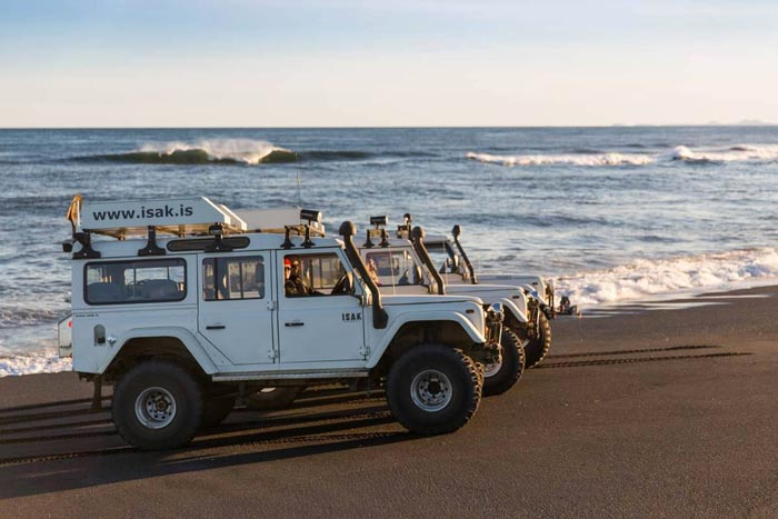 ISAK 4X4 SuperJeep Rentals in Iceland using Land Rover Defenders 4