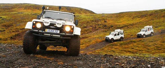 ISAK 4X4 SuperJeep Rentals in Iceland using Land Rover Defenders 2