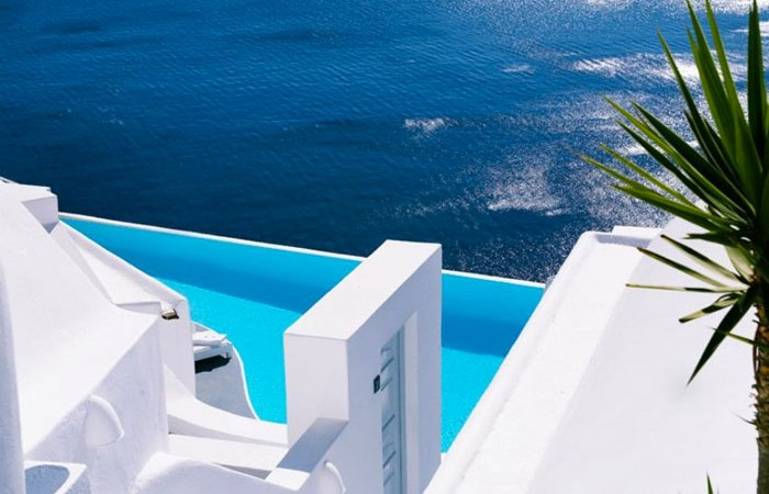 Infinity pool at Katikies Hotel in Santorini