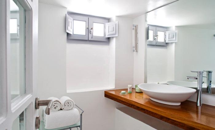 Bathroom decor at Katikies Hotel in Santorini