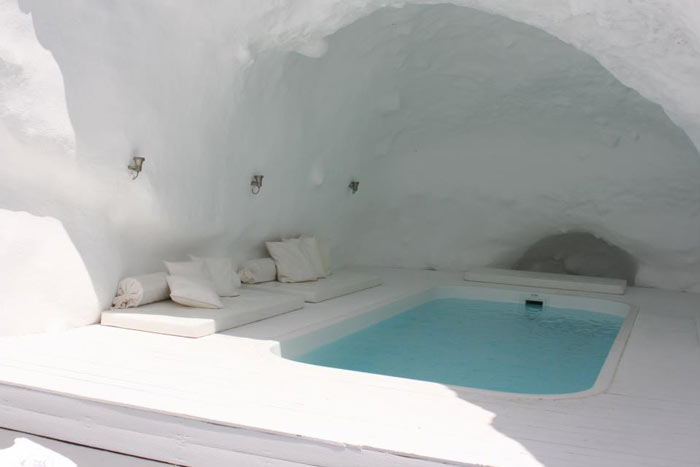 Jacuzzi in a cave at Katikies Hotel in Santorini