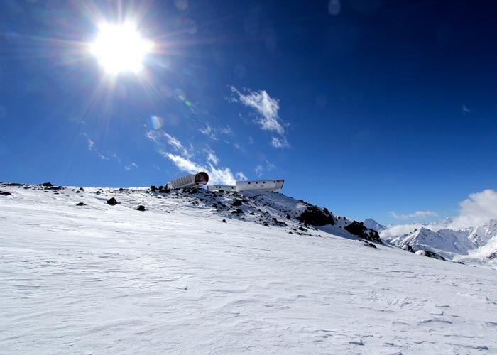 LEAPrus 3912 - A Mountain Hotel in Russia World's Highest Hotel on a sunny day